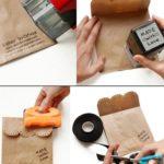 Empaques con bolsas de papel y tu toque personal. Saldrá un envoltorio personalizado, bonito y barato.