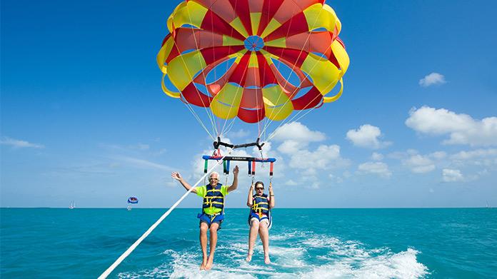Imagen empresarial de parasailing